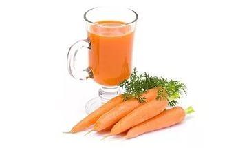 Молоко с морковным соком