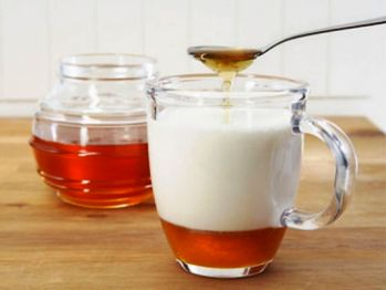 Молоко с маслом и содой от кашля, рецепт как приготовить молоко с содой и маслом от кашля