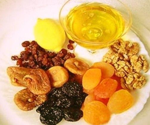 Курага, инжир, изюм, орехи, мед