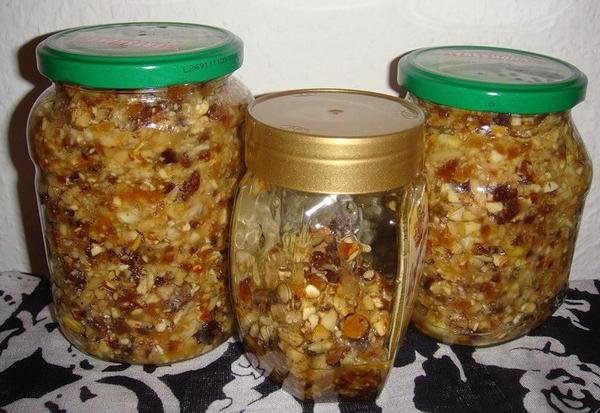 Как правильно приготовить смесь: курага, изюм, грецкий орех, мёд