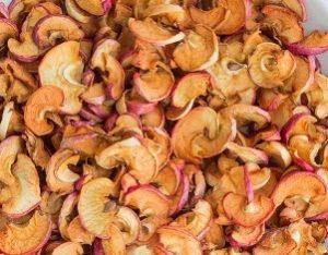 Сушеные яблоки - польза и вред для здоровья