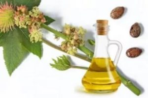 Касторовое масло - применение для кожи, волос, ресниц, внутрь