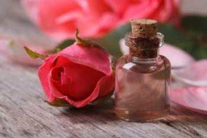 Эфирное масло розы — свойства и применение. Состав розового масла