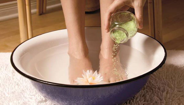 Ванночка для ног против потливости
