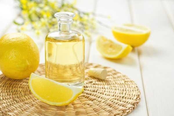 Полезные свойства масла лимона
