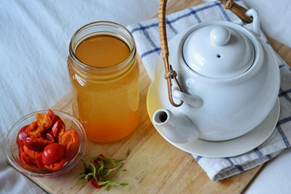 Оригинальный настой шиповника с медом