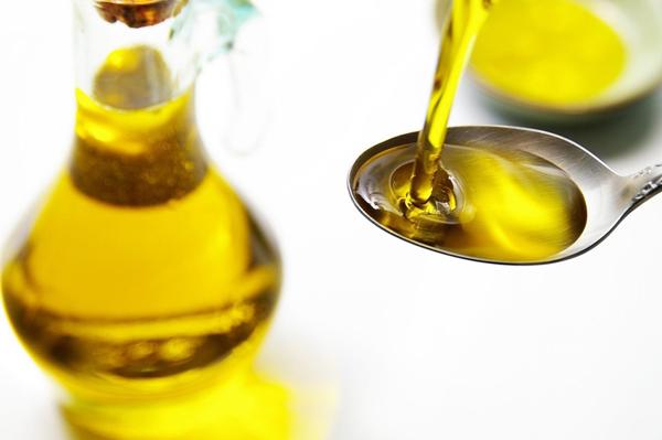Польза рыжикового масла для женщин